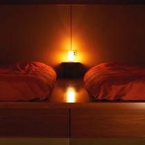 【本館 特別室 山吹】ツインベッドルーム /和室10畳・ツインベッドルーム・半露天風呂