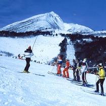*【猪苗代スキー場】玄関を出てすぐ滑れるのが嬉しい!