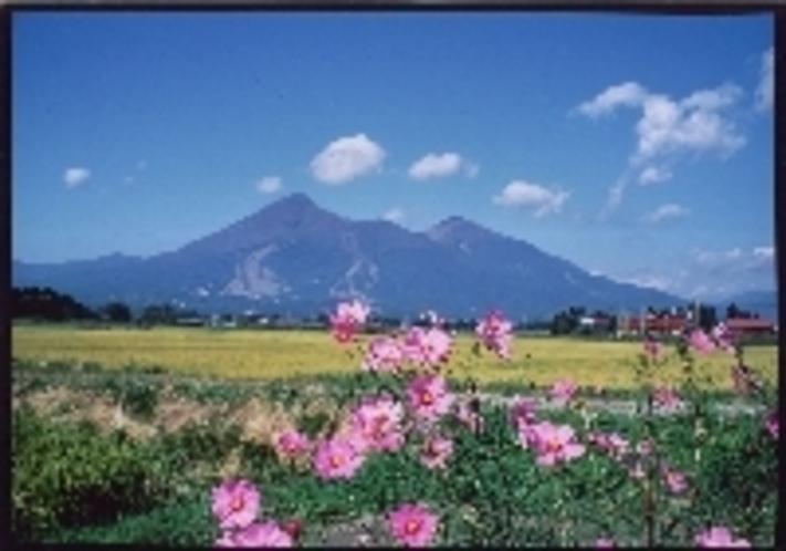 秋の磐梯山