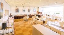 ■1階:レストラン「ピーコック」