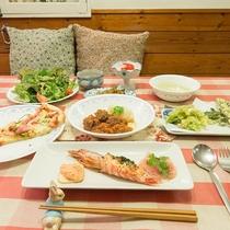*[夕食全体]品数豊富でボリューム満点!日替わりの洋食フルコースをご堪能下さい