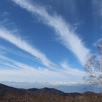 *[周辺/春]北アルプスを望む菅平高原