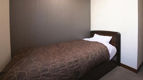 ◆【和陽館:和室4.5畳】ベッド/バストイレ付【喫煙】