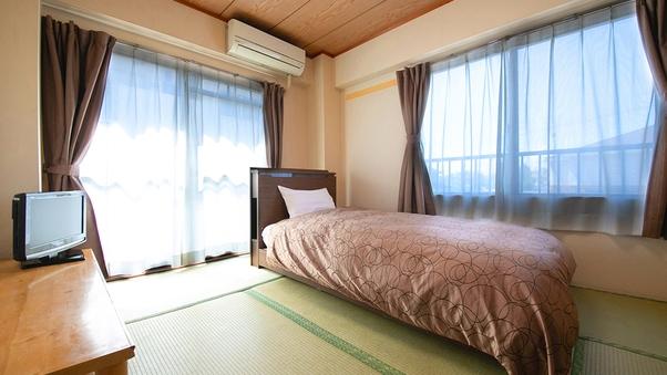 ◇【別館ワコー:和室6畳】ベッド/バストイレ【喫煙】