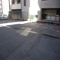 ホテル駐車場1