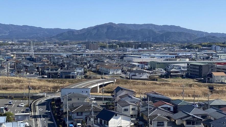 ■客室よりの風景【東側】走行中の新幹線が見えます■