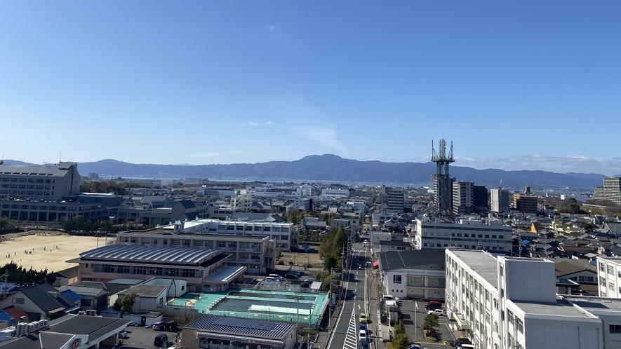 ■客室よりの風景【西側】遠くに琵琶湖・比叡山が見えます■