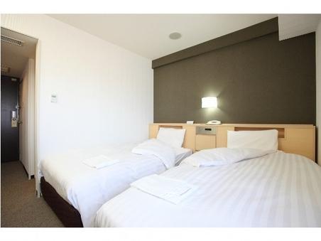 ツインルーム(ベッド幅110cm×2台/喫煙)