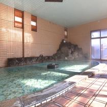 *【大浴場】泉質は弱アルカリ性で、肌に潤いを与えてくれます。