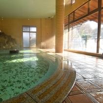 *【大浴場】毎分300Lという豊富な湯量を誇る大浴場です。