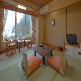 【海側・眺望なし】部屋タイプお任せ客室8畳〜10畳