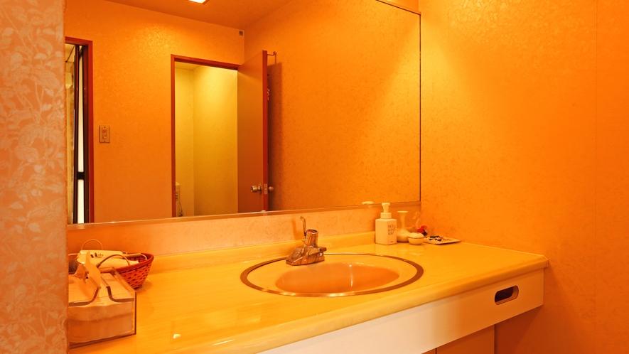 《特別和洋室》洗面・トイレ