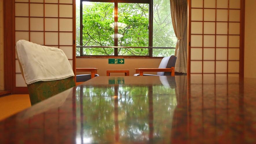 《訳あり和室》 桜シーズンは目の前に桜!季節限定の人気の客室です。