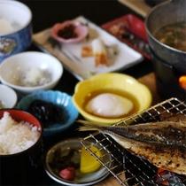 【ご朝食】純和定食をお食事処にてご用意いたします