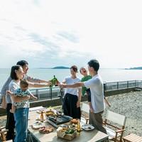 【BBQだけじゃないビーチ海遊び+温泉】楽して楽しむ手ぶらバーベキュー★シーフードMix