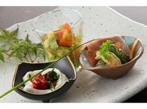 2. 前菜3種。自家製お野菜を使用。