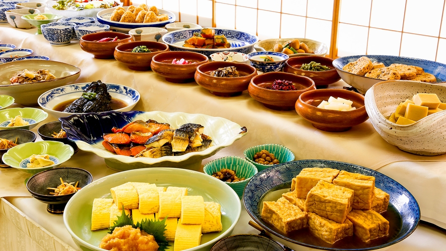 秀山閣のお部屋の朝食は和食バイキングまたは和朝食
