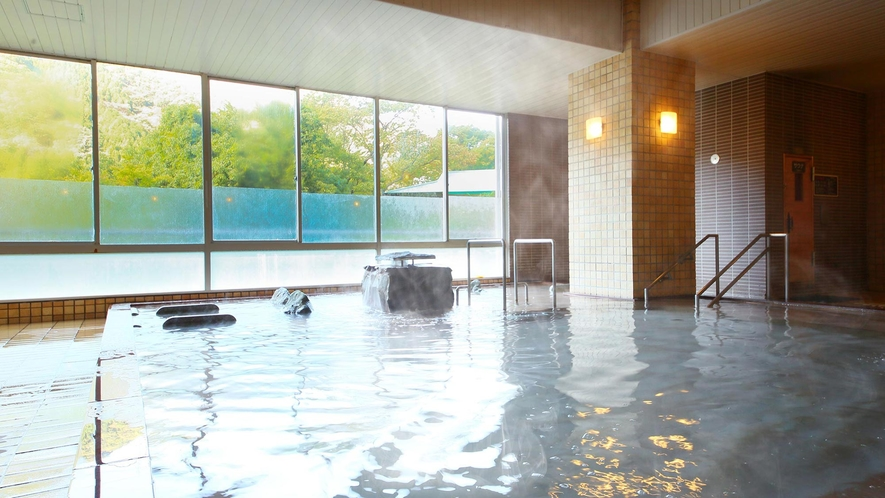 月光の湯/ゆったりと寛げる広々とした大浴場。