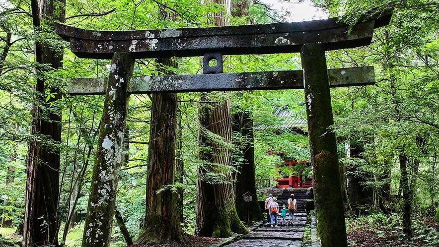 滝尾神社/ホテルから車で約35分