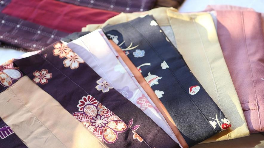 館内は大江戸温泉物語オリジナルの浴衣にてお過ごしいただけます。お好きな浴衣をお選びください。