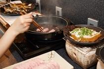 <朝食バイキング>  岐阜特産の明宝ハムは焼いても良し、そのままでも良し!