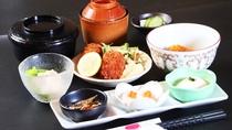 【夕食一例】17:00~22:00 レストラン陣笠にてご提供いたします