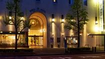■ホテルエントランス(夜)