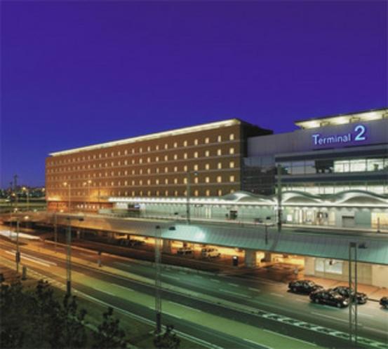 羽田空港第2ターミナルと直結するホテル外観