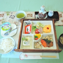 【朝食一例】旅館ならではの和定食。朝から食が進みます