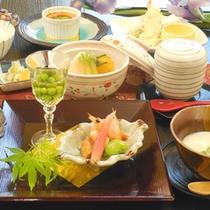 【夕食一例】見た目でも楽しめるお料理の数々