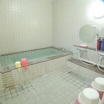 【女性用浴場】空いていれば家族風呂として貸切利用もできます