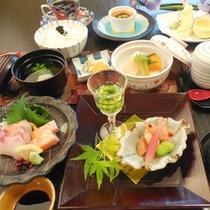 【夕食一例】季節感を大切にしたお料理を出すように心がけております