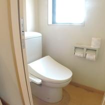 和室8畳【3階角部屋】:ウォシュレット付トイレ