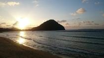 指月山と菊ケ浜