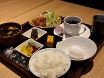 無料朝食(AM6:30~9:00オーダーストップ)