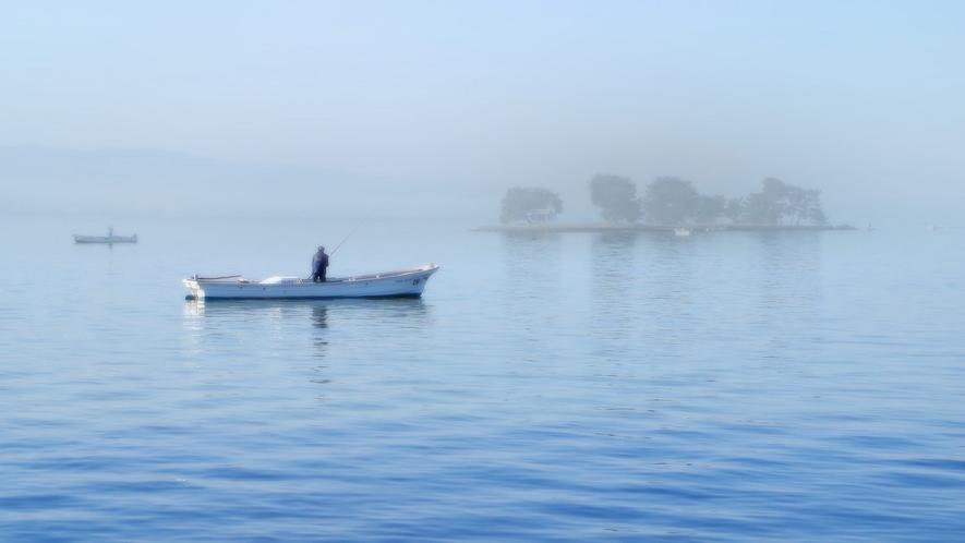 朝のしじみ漁