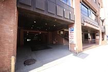 駐車場(車種によっては外部コインパーキングにご案内いたします)