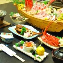 舟盛り付きのお夕食一例