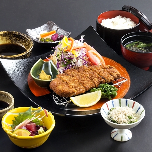 夕食メニュー/鹿児島産黒豚とんかつセット