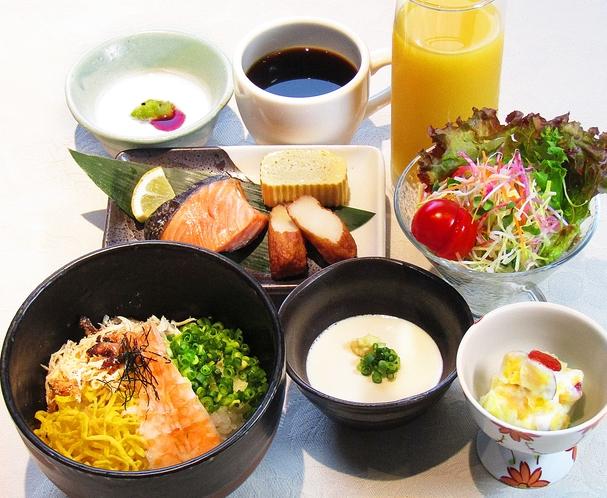 朝食(鶏飯御膳 コロナ対策メニュー)