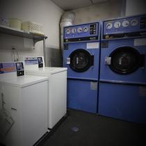 2階ベンダールーム 洗濯機 乾燥機