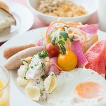 *【朝食ブッフェ】(一例)和食も洋食も楽しめるバイキング