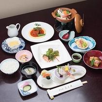 *【夕食:和洋会席膳】(一例)旬の食材や見た目も楽しめるコース