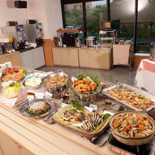 朝食は宮崎のおふくろの味です。身体に優しい朝食で一日をスタート