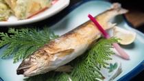 *【ご夕食一例/川魚】南アルプスの清流の恵みをご堪能くださいませ。