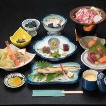 *【ご夕食一例/本館】季節や仕入れに応じた旬の食材を取り寄せた和会席料理をご用意致します。