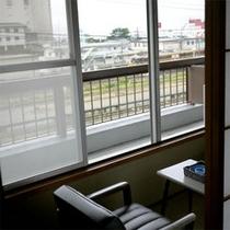 【鉄道マニア向き和室眺め】