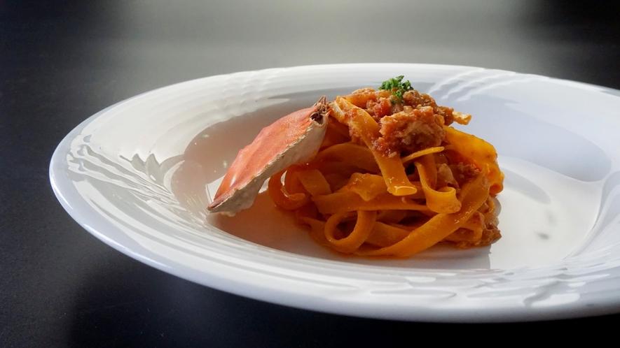 2021年夏パスタ:タリアテッレ 渡り蟹のトマトソース