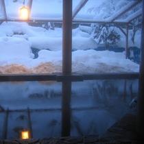 *露天風呂では冬には雪見風呂も