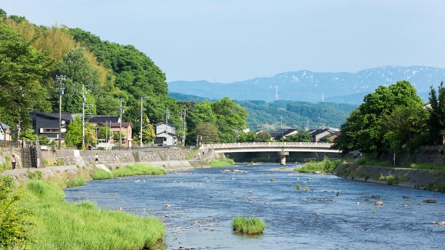 【周辺観光】浅野川 天神橋、梅の橋、浅野大橋、から見る浅野川はいろんな顔を見せてくれます。